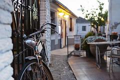 ln granada (s.f.p.) Tags: granada bici bicicleta atardecer calle antigua andalucia españa viajar bike spain sunset street cobblestone old europe travel bicycle