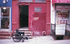 (David Chee) Tags: contax t2 carl zeiss sonnar fujifilm fuji superia 400 newyork nyc chinatown hester wheelchair street film analog