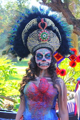 queen of the dead (El Cheech) Tags: hollywoodforever hollywoodforevercemetery hollywood dayofthedeadfestival mexican aztec sacredheart tradition celebration religion religious catholic costume death skeleton sugarskull skull diadelosmuertos dayofthedead