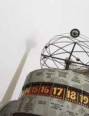 Weltzeituhr (cn174) Tags: berlin berlin2019 germany deutschland ber winter grey dismal east ost alexanderplatz alex amalex tvtower fernsehrturm weltzeituhr worldtimeclock