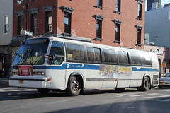 IMG_5138 (GojiMet86) Tags: mta nyc new york city bus buses 1999 t80206 rts 5238 subway shuttle lorimer street manhattan avenue