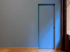 Blu (godelieve b) Tags: blue bleu intérieur inside mur wall porte door interior brussels twocolours