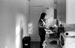 cooking (flasqueous) Tags: bnw blackandwhite film roll 400iso 35mm vintage friends house canterbury uk cosy intimate familiar personal candid candidphotography