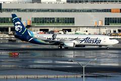 Alaska Airlines | Boeing 737-900ER | N280AK | Kevin Durant | San Francisco International (Dennis HKG) Tags: aircraft airplane airport plane planespotting canon 7d 100400 sanfrancisco ksfo sfo boeing 737 737900 boeing737 boeing737900 737900er boeing737900er n280ak