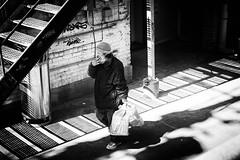 Enjoyin' a Drag (alhawley) Tags: streetphotography bw voigtlander40mmf14noktonclassicsc american street blackandwhite candid fujifilmxpro2 usa everytownusa monochrome