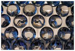 Spiegelung | reflection (frodul) Tags: abstrakt detail detailaufnahme kreis reflection reflektion rund licht lampe linse spiegelung blau abstraktion hannover niedersachsen deutschland