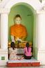 Pagode de Shwedagon (Bertrand de Camaret) Tags: birmanie myanmar shwedagon rangoun yangon bertranddecamaret ngc nationalgeographic bouddha femme woman priere