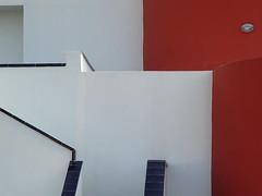 Composition blanche et rouge (Jean-Marc Linder) Tags: minimalisme minimalism minimalismo