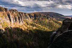 Abendstimmung im Elbsandsteingebirge (Erikx44) Tags: sachsen deutschland elbsandsteingebirge landscape sonyalpha6000 sunset mountains view trees outdoor hike sigma16mmf1 4
