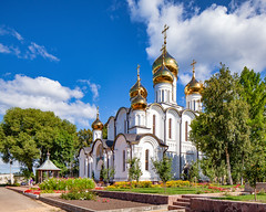 St. Nicholas Cathedral in Nicholas Convent (Pereslavl-Zalessky, Russia) (KonstEv) Tags: cathedral church orthodox convent monastery russia pereslavl cross dome architecture building golden religion