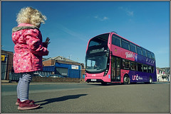 Jasmine likes to wave at the pink buses............... (Jason 87030) Tags: uno uon uni 2988 wave driver jasmine girl pink purple bruno bee violet flower northampton northamptonshire peppa pig northants blue composition friednly gesture uk england fun