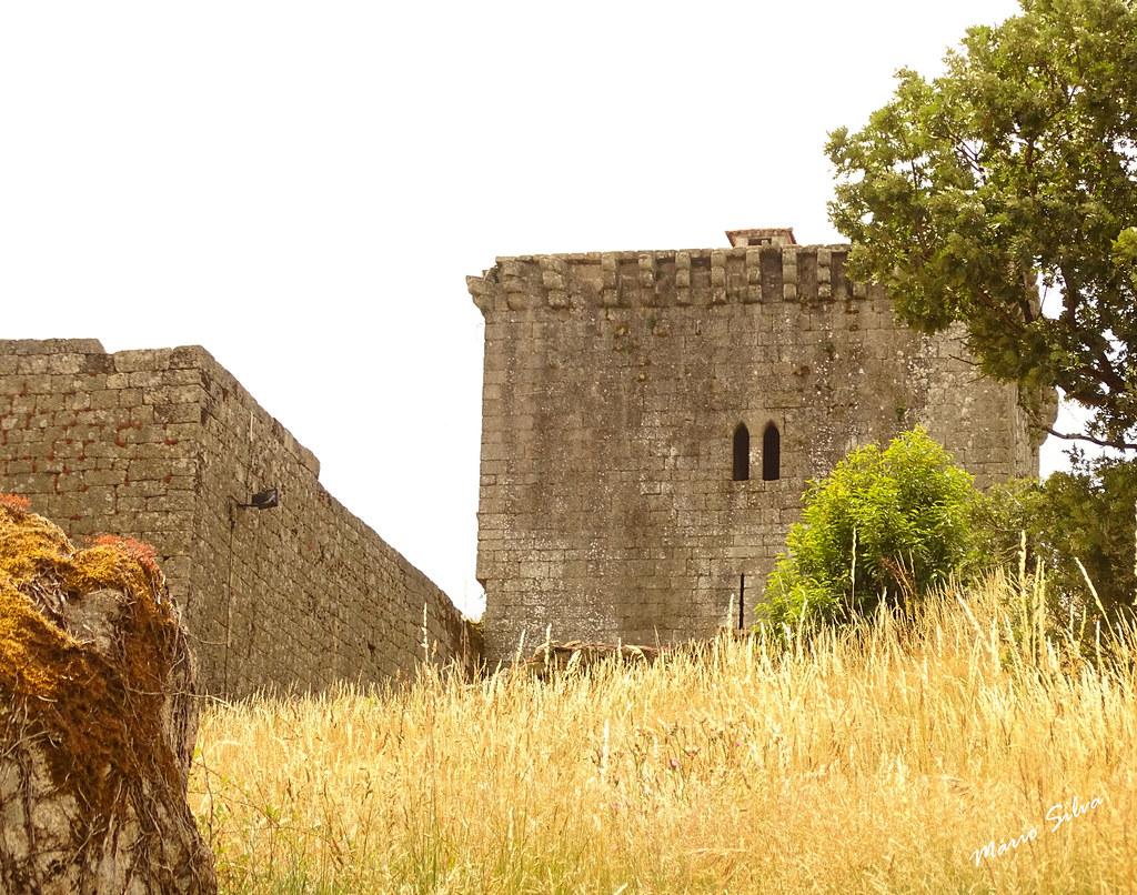 Águas Frias (Chaves) - ... o castelo de Monforte de Rio Livre (Monumento Nacional)