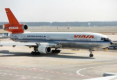 Viasa - Venezuela                                 McDonnell Douglas DC-10                                    YV138C (Flame1958) Tags: viasavenezuela viasa viasadc10 dc10 mcdonnelldouglas mcdonnelldouglasdc10 yv138c fra 0393 1993 frankfurtairport scan print