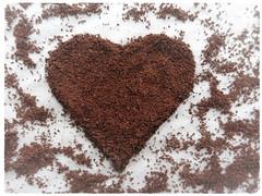 Coffee Heart (Hannelore_B) Tags: macro herz heart brew macromondays kaffee coffee