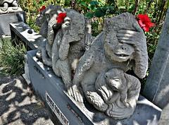 INDONESIEN, Bali ,unterwegs in Ubud , im Affenwald, nichts sehen-nichts sprechen-nichts hören- 17946/11169 (roba66) Tags: bali urlaub reisen travel explore voyages rundreise visit tourism roba66 asien asia indonesien indonesia insel island île insulaire isla sculpture skulptur stein ubud affenwald padangtegal monkeyforest monkey affen javaneraffen
