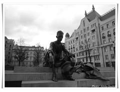 József Attila szobra (atillaszabi@gmail.com) Tags: józsefattilaszobra dunapart budapest hungary magyarország blackandwhite