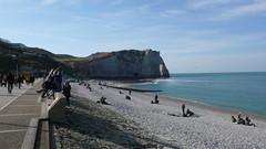 Un dimanche de Février à Etretat (jeanlouisallix) Tags: etretat seine maritime haute normandie france paysage landscape panorama mer falaises estran gréve plage station balnéaire