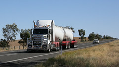 On the NEWELL (2/3) (Jungle Jack Movements (ferroequinologist)) Tags: koo wee rup vic mack western star kenworth k200 kitco scotts mount gambier newell highway nsw new south wales australia parkes peak hill hp horsepower big rig haul haulage freight cabover trucker drive transport carry delivery bulk lorry hgv wagon road nose semi trailer deliver cargo interstate articulated vehicle load freighter ship motor engine power teamster truck tractor prime mover diesel injected driver cab cabin loud beast wheel exhaust double b grunt