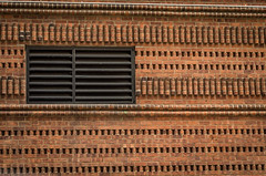 Vent in Brick Wall (Edgar.Omar) Tags: pentax pentaxf5017 k50 city urban nyc vents street brick