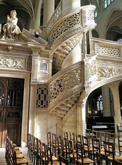 Escalier de l'église St-Etienne-du-Mont à Paris 5ème (Sokleine) Tags: escalier stairs pierres stones heritage churchinterior église stetienne paris 75005 france frenchheritage