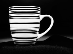 Black and White (ingrid eulenfan) Tags: crazytuesday blackwhite blackandwhite schw schwarzweis 2019 kaffeepause pausecafé coffebreak 365project kaffee espresso cappuccino cup coffeepot tasse coffee togo