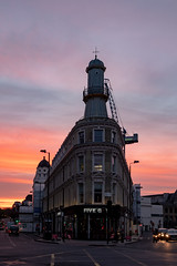 Hey Hey Guy (sdupimages) Tags: bâtiment building architecture ciel sky londres london rue street levédesoleil sunrise