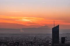 (Laetitia.p_lyon) Tags: fujifilmxt2 lyon sunrise leverdusoleil incity