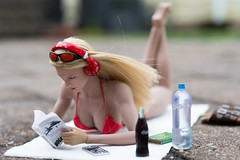 Bikini Beats (edwicks_toybox) Tags: 16scale tbleague bikini blonde femaleactionfigure femaleshooter magiccube phicen seamlessbody sunglasses verycool vstoys