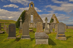 Riposando in pace / Resting in peace (Durness, Scotland, United , Kingdom) (AndreaPucci) Tags: balnakeil church durness scotland uk cemetery beach andreapucci