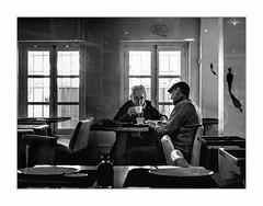 Petits bonhommes. (francis_bellin) Tags: blackanwhite femme andalousie streetphoto street homme muséedartcontemporain pose exposition noiretblanc malaga photoderue café espagne art rue janvier bw 2019 monochrome artiste