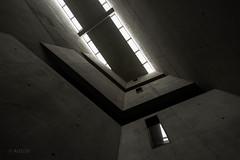 Oppressive   -   Bedrückend (ARTUS8) Tags: flickr blackwhite innenarchitektur nikon28300mmf3556 lookingup modernearchitektur nikond800 museum schwarzweis interiordesign
