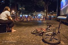 Cinema na praça (Ivan Costa) Tags: 5038 bike bicicleta praca square cinema cine movies filme socorro sp brasil brazil people person pessoas pessoa assistindo watching