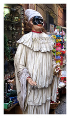 Dressing in bedsheets (The Stig 2009) Tags: thestig2009 thestig stig 2009 2019 tony o tonyo naples italy mask bedsheet manniquin pulcinella comedy