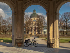 2019 Bike 180: Day 38, March 19 (suzanne~) Tags: 2019bike180 day37 bike bicycle munich bavaria germany hofgarten bayerischestaatskanzlei dianatempel lensbaby edge50