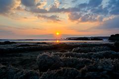 Coucher de Soleil (nolyaphotographies) Tags: crozon camaret finistere bretagne france nikon night soir bleu plage mer sea iroise nuage sun soleil