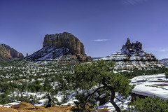 Courthouse Butte and Bell Rock in Oak Creek Arizona (TAC.Photography) Tags: arizona sedona oakcreek redrock courthousebutte bellrock snow landscape landscapephotography outdoors hdr nikon nikoncamera tomclarknet tacphotography 2019yip