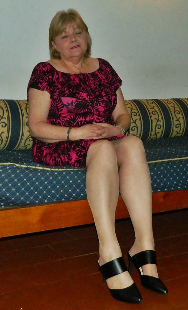 Mature amateur milf legs are