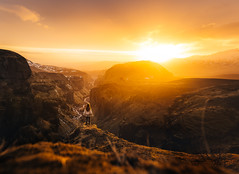 Midnight Sun (marinaweishaupt) Tags: midnightsun iceland sun sunset sunlight goldenhour nature person hiking outdoors landscape highlands canyon valley mountains
