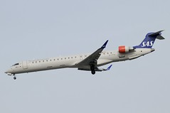 EI-FPW (LIAM J McMANUS - Manchester Airport Photostream) Tags: eifpw sk sas scandinavian sasscandinavian scandinavianairlines unaviking cityjet bombardier cr9 crj9 crj900 bombardiercrj900 man manchester egcc