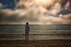 Frente al mar (Manuel Peña Jiménez) Tags: mar playa arena nubes horizonte aguadulce almería fujifilmxs1 invierno costa