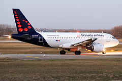 OO-SSE (Andras Regos) Tags: aviation aircraft plane fly airport bud lhbp spotter spotting brussels brusselsairlines airbus a319 night dusk