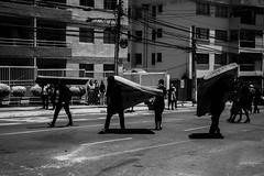 (Fran[zi]s[ko]Vicencio) Tags: valparaiso chile valpo violencia violence cops capucha canon calle walmapu estudiantes encapuchados estudiantil encapuchado represion resistencia fotoperiodismo police policia originarios photojournalism protest protesta press prensa protester