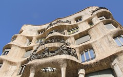 World Heritage: Casa Milà II (hansn (4+ Million Views)) Tags: casa milà mila architecture modernist modernista arkitektur modern world heritage världsarv lapedrera antoni gaudí architect arkitekt barcelona