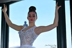 CHA_9901 pret (jeanfrancoislaforge) Tags: koz ballerine ballerina nikon d850 beauté beauty portrait danse dance châteaufrontenac fairmont fenêtre window tutu femme woman