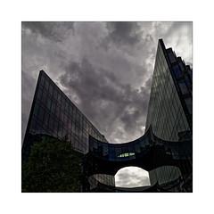 The cristal ship (Jean-Louis DUMAS) Tags: bâtiment building londres london artistique frame abstrait abstraction abstract artistic art architecte architectural architecture architect lignes géométrique design tower tour