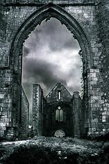 L'abbaye Notre-Dame-de-Ré (Levnenn) Tags: noirblanc ruin blackwhite pierres labbayenotredamederé abbey stones abbaye
