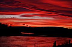 Incandescencias (portalealba) Tags: zaragoza zaragozaparque aragon españa spain sunset atardecer ocaso cielo nubes nwn portalealba pentax pentaxk50