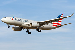 N288AY American Airlines Airbus A330-243 (PHL) (Alpha Victor Photo) Tags: airliner aviationphotography aviation airliners aircraft airlinerphotography aerospace planespotting planespotter philadelphiainternationalairport phl kphl n288ay americanairlines airbusa330200 a330243