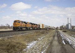 BNSF 7836 - Bosworth, Missouri (backlitkid) Tags: ge es44c4 bnsf7836 trains bnsf freight intermodal containers railroading railfanning winter
