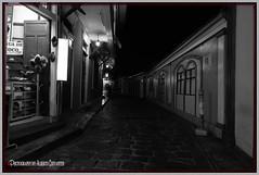 TIENDA EN LA CALLE NUMA POMPILIO LLONA. BARRIO LAS PEÑAS. GUAYAQUIL  ECUADOR. (ALBERTO CERVANTES PHOTOGRAPHY) Tags: callenumapompiliollona street calle numapompiliollona tiendaenlacallenumapompiliollona tienda store shop tent nocturno noche night nightcolor colorlight guayaquil ecuador guayas gye nightscape city republicadelecuador guayaquilecuador ecuadorguayaquil gyeecuador ecuadorgye sidewalk barriolaspeñas laspeñas indoor outdoor blur streetphotography photography photoborder photoart art creative luz light color colores colors brightcolors brillo bright monochrome blackwhite blanconegro white black historia history icono iconic retrato portrait flickrunitedaward award united flickr